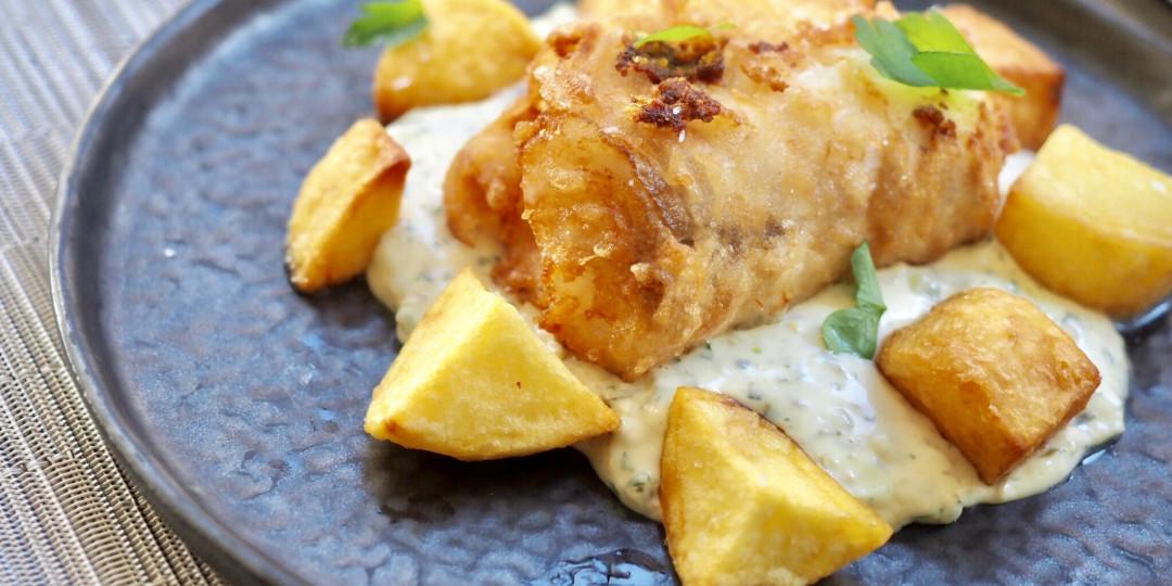 Fish & Chips: bacallà fresc en tempura, patates i salsa tàrtara