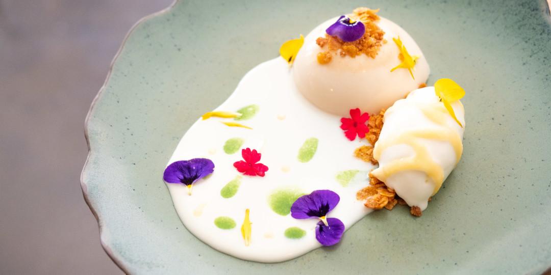 Postre nòmada de primavera: pannacotta de cereals, gelat de recuit, lemon curd