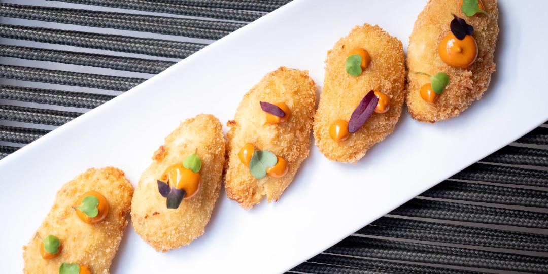 Croquetes de pollastre: amb mojo picón canari
