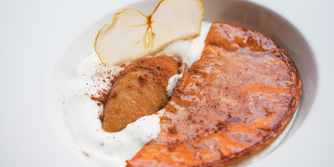 The big apple: textures de tarta tatin de poma i chantilly