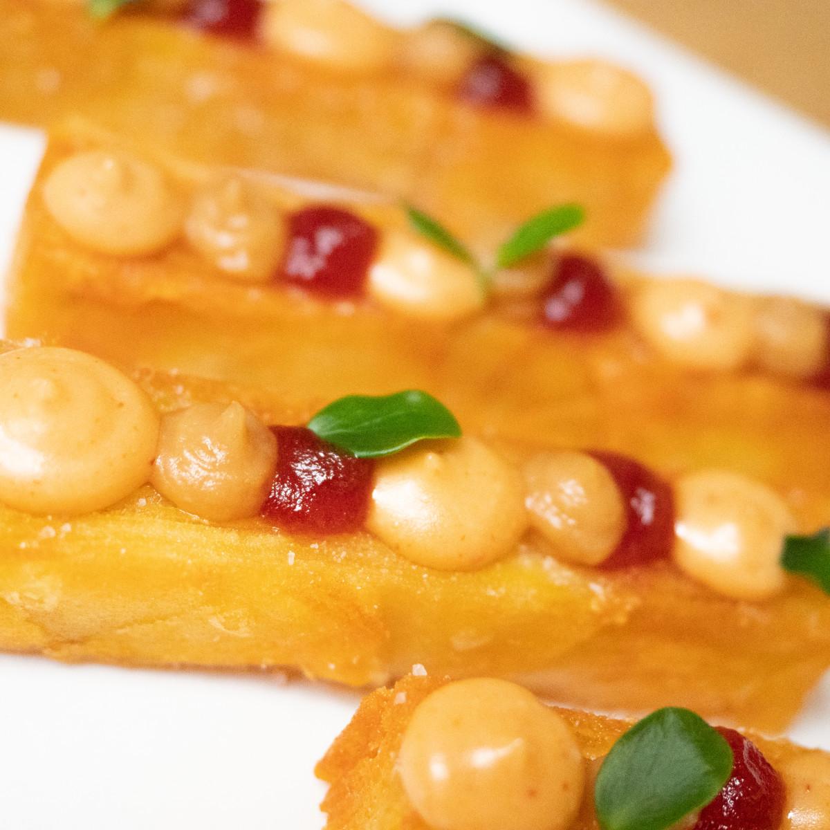 La Bravísima DIY: milhojas de patata y trio de salsas chipotle, compota de tomate y ajo asado