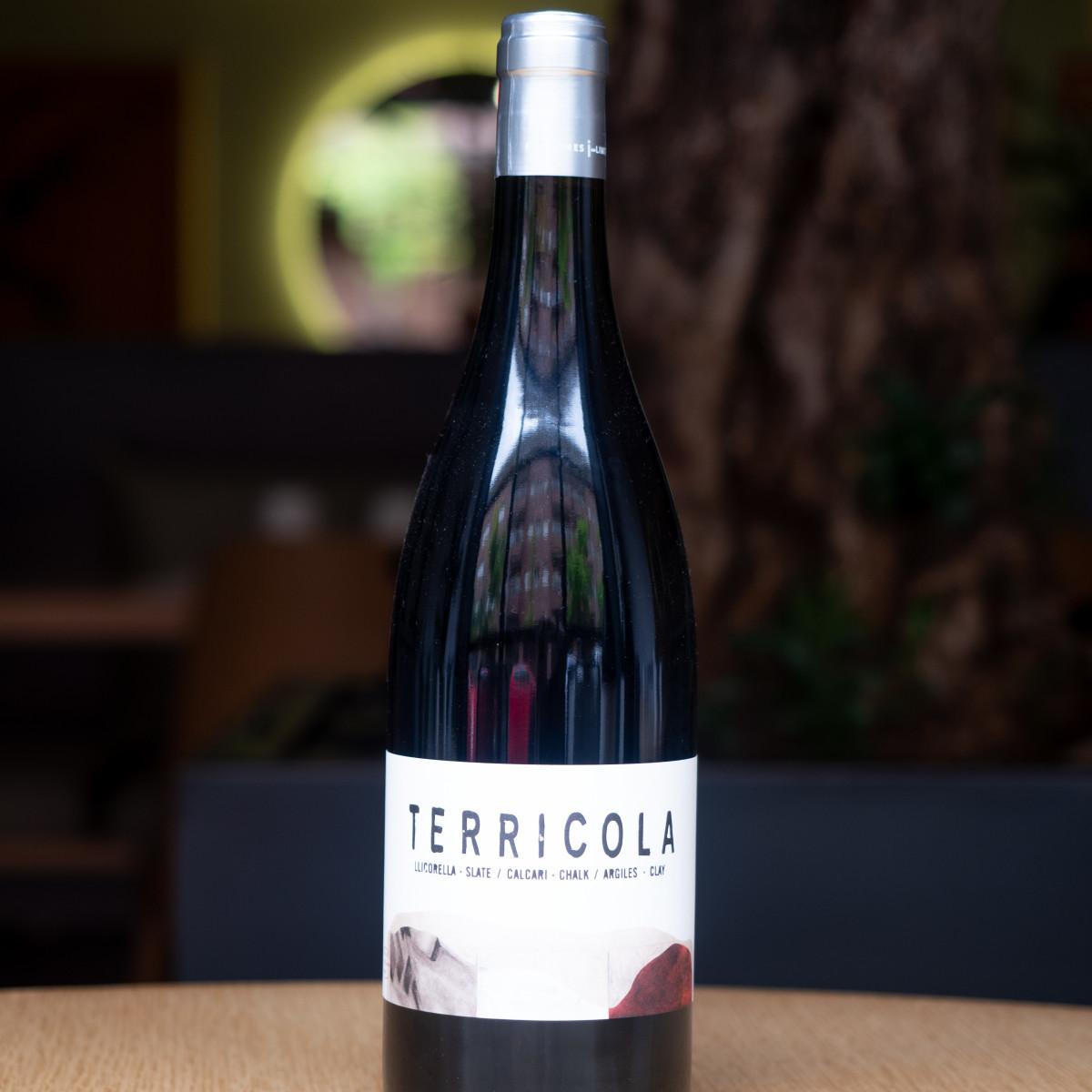 Terrícola: garnacha, cariñena, syrah, cabernet sauvignon. DO Montsant